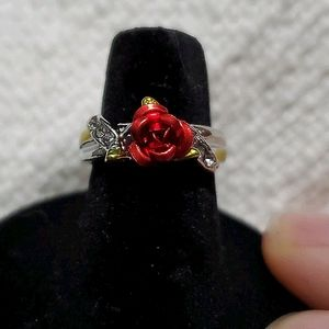 NWOT Silver and Rose Ring